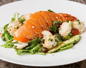 Livraison homard ! Salade de homard à l'avocat