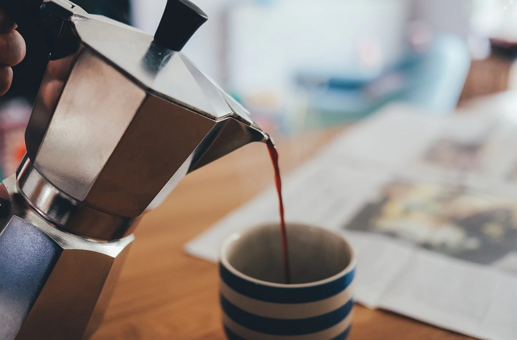 Le café italien : comment le prépare-t-on ? Café de la cafetière italienne